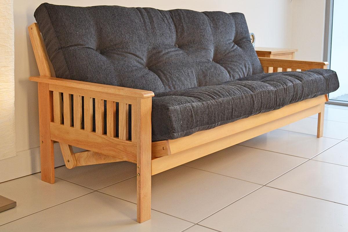 Breeze nashville 3 seater hardwood futon for Futon and mattress world tulsa